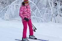MILOVNÍCI ZIMNÍCH SPORTŮ si o víkendu přijdou na své. V provozu jsou oba ski areály na Chebsku.