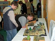Petr Němec (nejmenší) a Jakub Kaplan (úplně vpravo) se probojovali ve svých kategoriích na Scale Model Worl v Telfordu