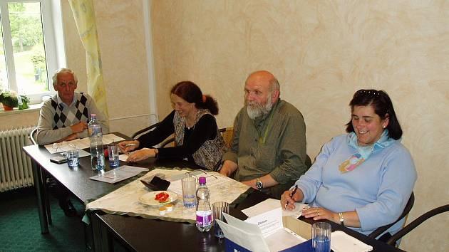 Voleb se zúčastnily také lidé v obci Tři Sekery.