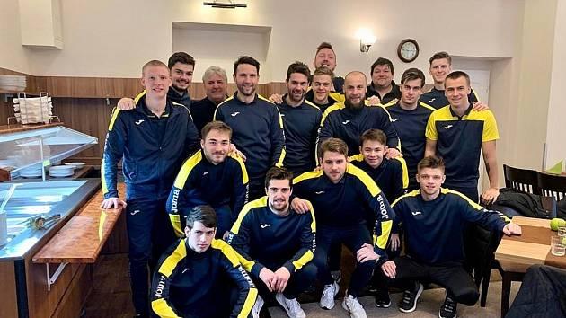 Soustředění mají úspěšně za sebou fotbalisté mariánskolázeňské Viktorie, když si na čtyři dny odskočili do Františkových Lázní. V rámci galejí pak zvládli derby s Hvězdou Cheb.