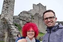 Zájezdy s knihovnou frčí. Marie Mudrová je organizuje od roku 2014 a minulý rok se k ní přidal pedagog Jakub Formánek. Díky tomu začala knihovna vyrážet i za hranice.