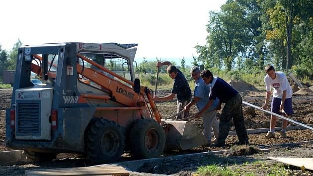 Práce na rozšíření městského hřbitova v Chebu