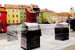 Nové podzemní kontejnery vyrostly na chebském náměstí Náměstí Krále Jiřího.
