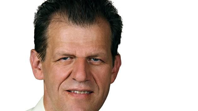 Ve druhém kole senátních voleb za senátní obvod 3 Cheb získal Miroslav Plevný 70,31 všech hlasů.