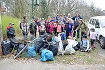 Chebští skauti se zapojili do akce Ukliďme svět, ukliďme Česko.