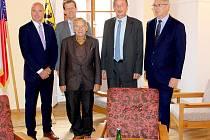 Na oficiální návštěvu Chebu dorazil předseda Senátu Parlamentu České republiky Jaroslav Kubera.
