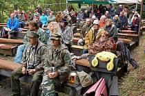ÚPLNÝ ZAČÁTEK festivalu si nenechaly ujít desítky lidí.