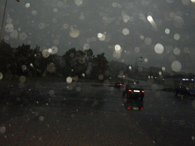 Bouřky a silný vítr zasáhly také chebský region.