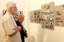 Nová výstava s názvem '...to mě baví...' právě začala ve františkolázeňské Galerii Brömse. A tentokrát si návštěvníci budou moct prohlédnout díla dvou výtvarníků z regionu Marie Lokingové a Vladimíra Izáka.