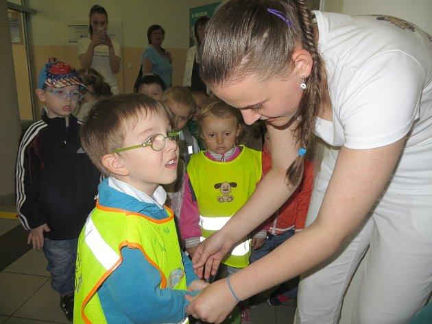 Jak si správně umýt ruce si vyzkoušely i děti z Jeslí a stacionáře s očními vadami Cheb -  třída Broučků.
