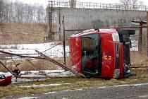 Srážka dvou automobilů, ke které došlo v sobotu 7. února v Lesince u Třebeně