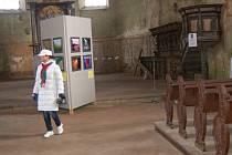 INTERIÉR kostela svatého Wolfganga v Poustce čeká letos několik oprav.