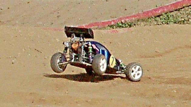 Na dráhu Autocampu Luxor se vrátí rádiem řízené modely aut