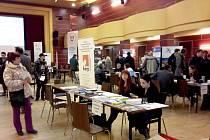 TŘETÍ ROČNÍK veletrhu pracovních příležitostí se uskutečnil v chebském Kulturním centru Svoboda. Přijelo 28 zaměstnavatelů.
