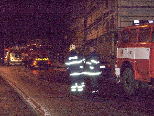 Požár v Dobrovského ulici v Aši