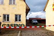 Kriminalisté objevili zatím největší pěstírnu na Chebsku, a to v objektu kasina v Dolních Dvorech.
