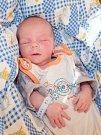 SEBASTIAN POKORNÝ se narodil v chebské porodnici v sobotu 16. prosince v 9.33 hodin. Na svět přišel s váhou 2 390 gramů a mírou 46 centimetrů. Doma v Zadním Chodově se z malého Sebastianka raduje maminka Kristýna s celou rodinou.