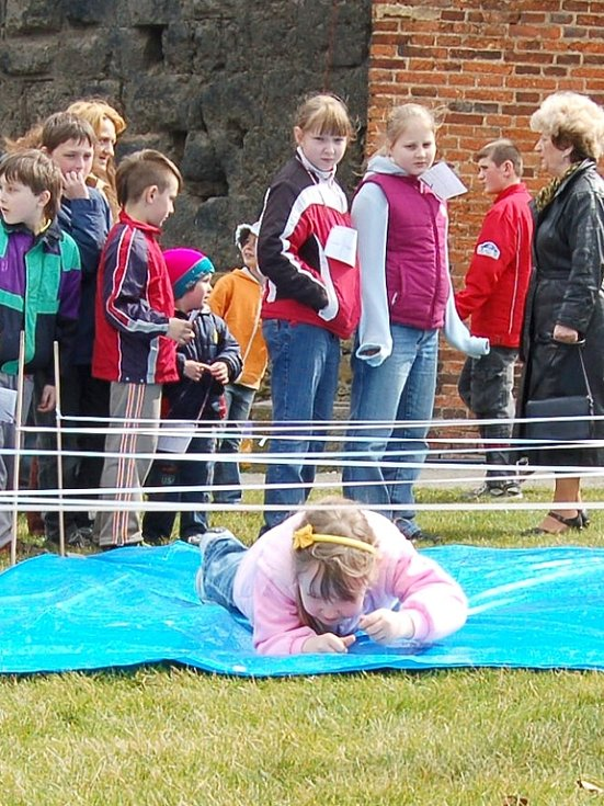 Na tradičním Hodu beránka na Chebském hradě byla připravena pro děti řada atrakcí