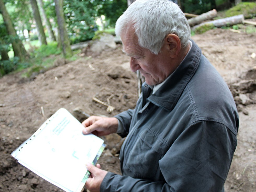 Na Komorní hůrku se vrátili seismologové s technikou, aby tu mohli pokračovat s hloubením Goethovo štoly.