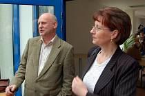 Krajské zastupitelstvo 13.3.2008 schválilo prodej LDN v Chebu (?) za 20,5 mil.  korun M Mikušovi. Ten spolu s J Křížovou chtějí LDN provozovat nadále.