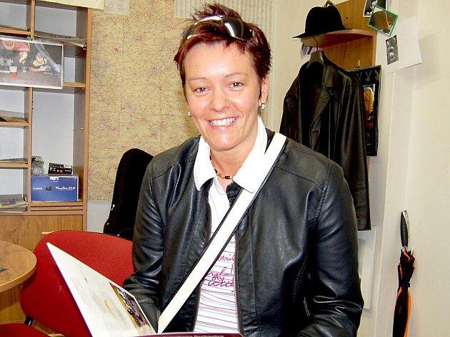 PŘI VYPRÁVĚNÍ O EMIRÁTECH nešetřila Lenka Pajerová úsměvy.