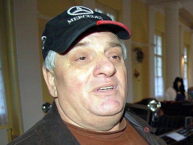 Milan Bojtar z Veteran Car Clubu Praha.
