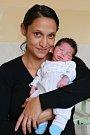 ALEXANRD BERKY se narodil v úterý 19. září v 19.44 hodin. Při narození vážil 2 920 gramů a měřil 49 centimetrů. Doma v Aši se z malého Sašenky radují sourozenci Elenka a Slávo, maminka Elena a tatínek Slávo.