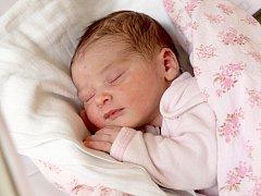 KLAUDIE TUČÁKOVÁ přišla na svět v pondělí 6. října v 1.45 hodin. Vážila 3 300 gramů a měřila 51 centimetrů. Doma v Chebu se z malé Klaudinky těší maminka Michaela a tatínek Martin.