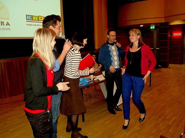 O různých tématech, debatovali v soutěži studenti ze sedmi středních škol a gymnázií z regionu v krajském kole Studentské Agory v chebském Kulturním centru Svoboda.