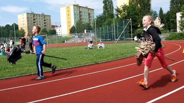 Netradiční olympiáda v chebské základní škole na sídlišti Skalka
