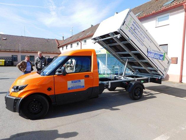 O nákupu nového ekologického vozidla uvažuje společnost Chebské technické služby.