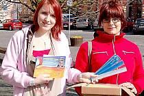 V ulicích města se opět objeví dobrovolníci, kteří budou prodávat předměty s logem sluníčka