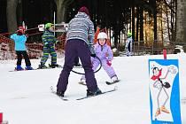 BARBORKA SE ROZJEZDILA až v závěru lyžařské školičky.