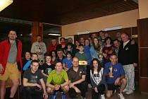 Většina účastníků výročního setkání mariánskolázeňských karatistů.