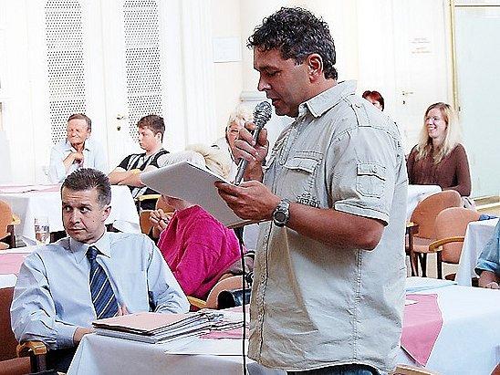 Podnikatel Josef Berkovský si na posledním jednání františkolázeňského zastupitelstva stěžoval na pomalý postup výkopových prací