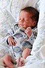 ALONSO ŠAMKO se narodil v úterý 17. května v 8.30 hodin. Na svět přišel s váhou 2 340 gramů a mírou 45 centimetrů. Z malého brášky se těší doma v Aši sestřička Megan Denis a bráška Teodor, maminka Denisa a tatínek Maroš.
