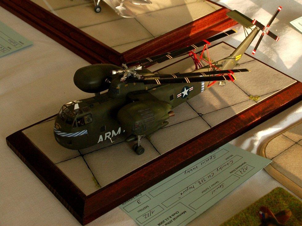 VIII. ročník Vojtova memoriálu v Chebu. Vrtulník Sikorsky CH 37 Mojave Bernharda Pethe