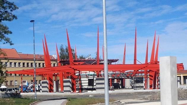 Stavba chebského dopravního terminálu dostává jasné obrysy.
