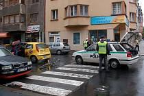 Dopravní nehoda na křižovatce Májové a Valdštejnovy ulice