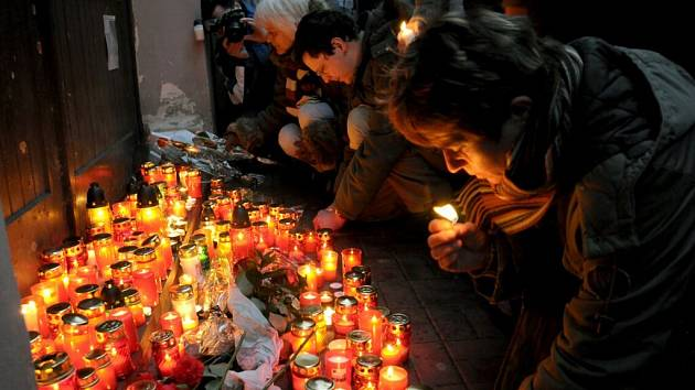 Vzpomínková akce na Růžovém kopečku v Chebu