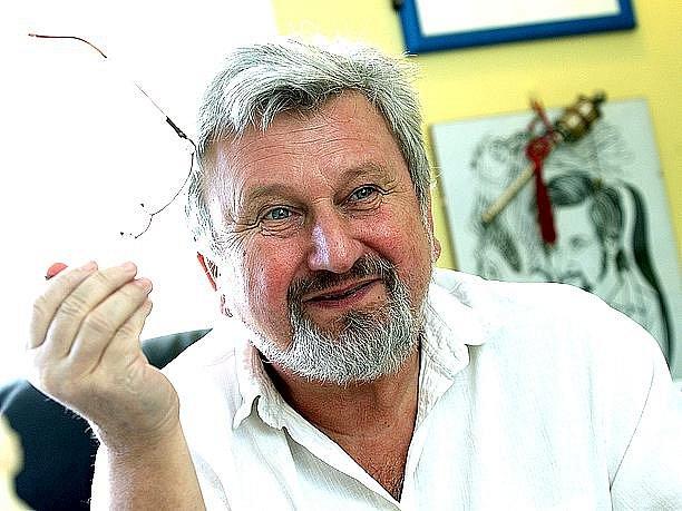 JAN CIMICKÝ bude jedním z hostů pořadu Klubu za oponou, který pořádá Kulturní a informační středisko  města Mariánské Lázně.