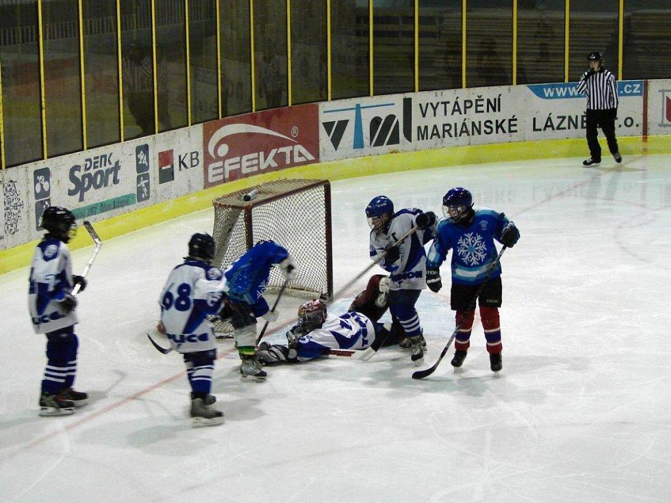 Hokejový turnaj žáků šestých tříd v Mariánských Lázních utkání Teplice Nymburk
