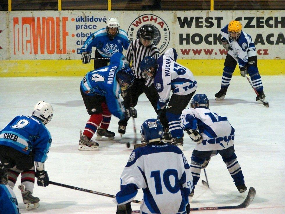 Hokejový turnaj žáků šestých tříd v Mariánských Lázních - utkání Cheb Teplice