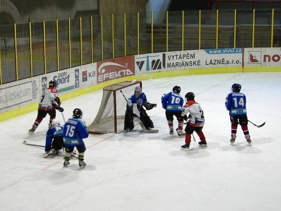 Hokejový turnaj žáků šestých tříd v Mariánských Lázních - utkání Mariánské Lázně Cheb
