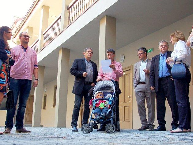 BÝVALÝ HOTEL HRADNÍ dvůr bude sloužit seniorům. Nabídne jim bydlení v centru města.
