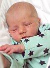 MAX MORAVÍK bude mít v rodném listu datum narození pátek 10. března v 12.30 hodin. Při narození vážil 3 470 gramů. Z malého Maxíka se těší doma v Mokřinách sestřička Emmička spolu s maminkou Gabrielou a tatínkem Kamilem.