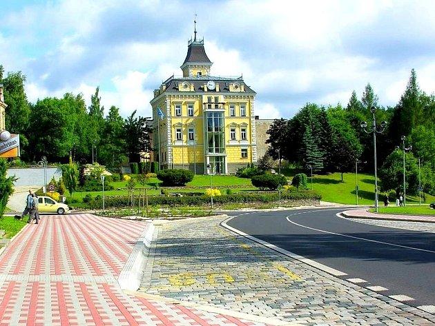 S konečnou podobou náměstí v Aši mají radnici pomoci architekti.