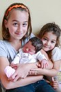 NICOL NOE RUPČÍKOVÁ se narodila vsobotu 30. září v14.46 hodin. Na svět přišla sváhou 3250 gramů. Doma vChebu se zmalé Nicolky těší sestřičky Terezka a Timejka, maminka Ivana a tatínek Milan.
