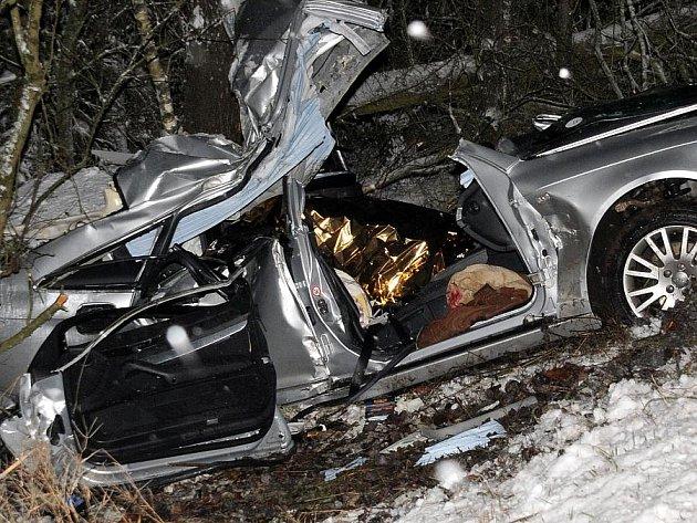 K dopravní nehodě s tragickým koncem došlo mezi Aší a Hazlovem.