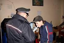 Mariánskolázeňští policisté kontrolovali požívání alkoholu mezi místní mládeží